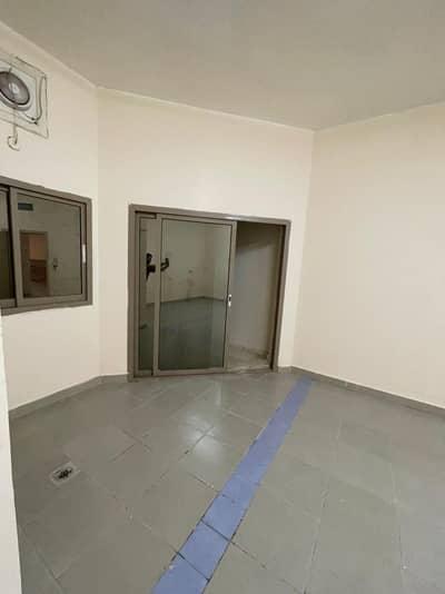 Studio for Rent in Al Mushrif, Abu Dhabi - GOOD STUDIO IN AL MUSHRIF FOR RENT