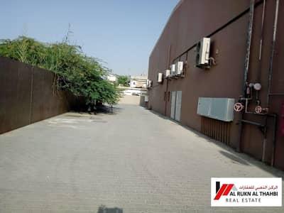 محل تجاري  للايجار في عجمان الصناعية، عجمان - spacious shop with good view and location