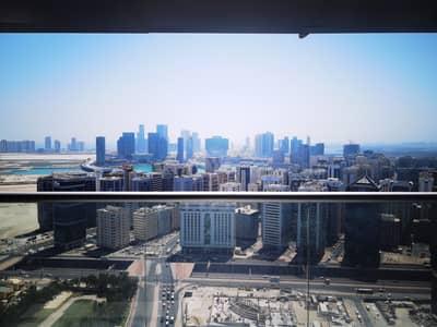فلیٹ 2 غرفة نوم للايجار في منطقة الكورنيش، أبوظبي - Saraya Tower | Perfect Location | Urban Living