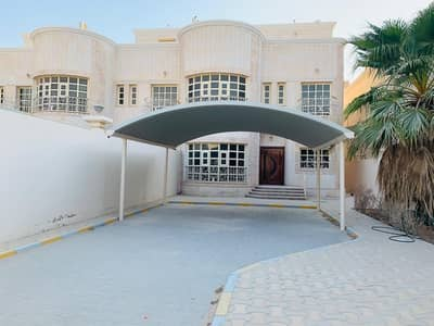 4 Bedroom Villa for Rent in Al Shamkha, Abu Dhabi - Outstanding Villa with Driver room 4-Br Maid room Private Yard