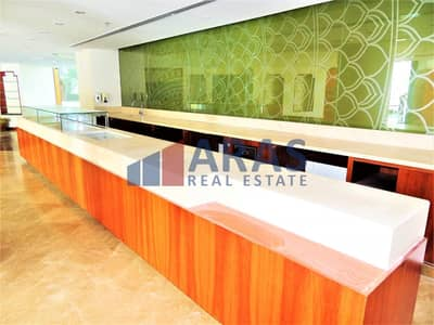 Shop for Rent in Sheikh Zayed Road, Dubai - Ready to Move | Restaurant | Free External Space