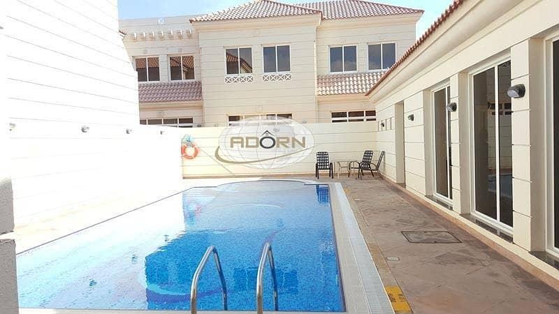 Spacious 5 bedroom villa with pvt garden /pool/gym jumeirah 2