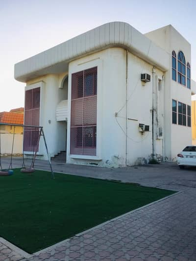 5 Bedroom Villa for Sale in Al Azra, Sharjah - 1
