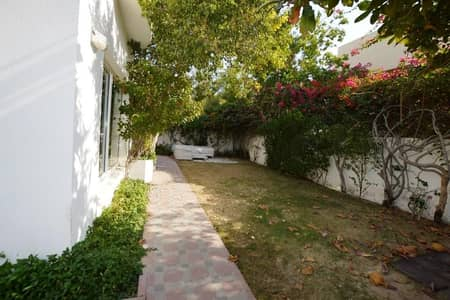 5 BR INDEPENDENT VILLA AVAILABLEW FOR RENT IN JUMEIRAH