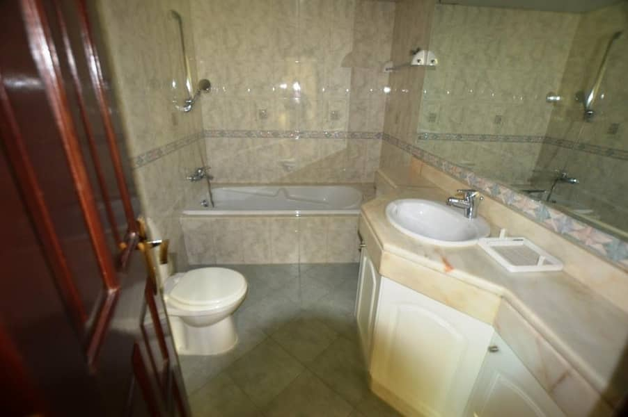 13 5 BR INDEPENDENT VILLA AVAILABLEW FOR RENT IN JUMEIRAH