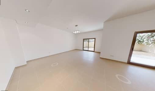 فیلا 3 غرف نوم للايجار في جبل علي، دبي - living area
