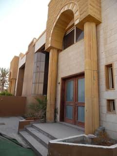 4 bedroom hall villa for rent in Sharqan