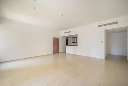 1 Bedroom Apartment for Rent in Jumeirah Beach Residence (JBR), Dubai - Semi-closed kitchen | Unfurnished | Spacious