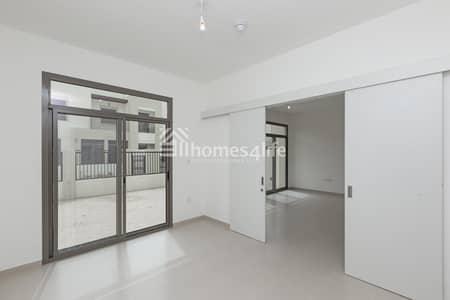 تاون هاوس 4 غرف نوم للايجار في تاون سكوير، دبي - Move On This Best Deal Offer