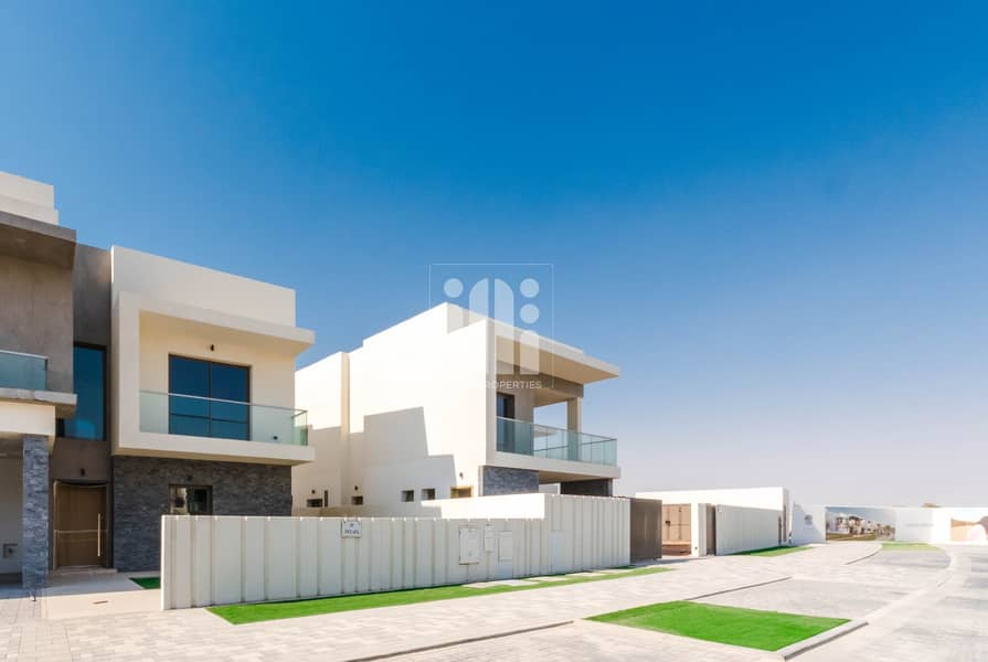 Ready to move 4Y TownHouse Yas Acres  Yas Island