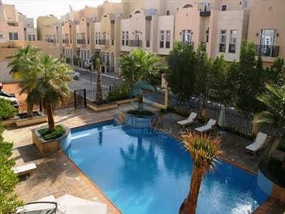 فیلا 5 غرف نوم للايجار في القرم، أبوظبي - فیلا في حدائق القرم القرم 5 غرف 160000 درهم - 5086237