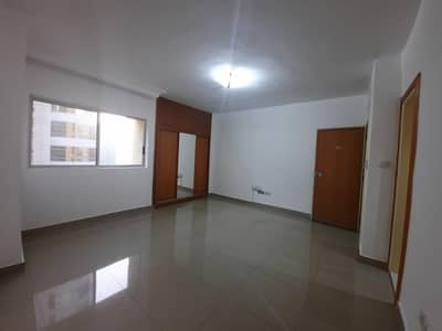 Studio for Rent in Hamdan Street, Abu Dhabi - STUDiO INCLUDING WATER AND ELECTRICITY