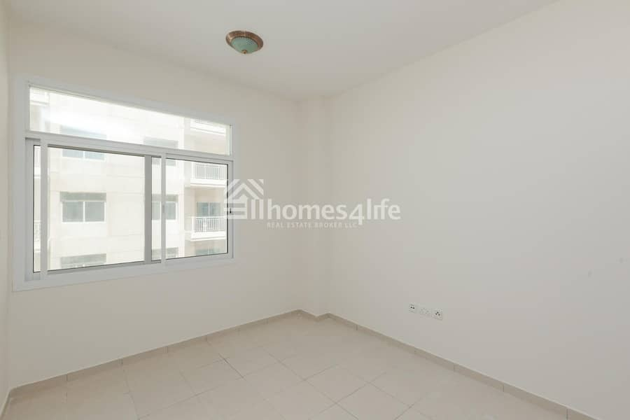 Spacious 1 Bedroom Available with Storage