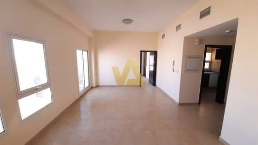 1 Bedroom Flat for Rent in Remraam, Dubai - Close Kitchen | 2 Bathrooms | Ready to move
