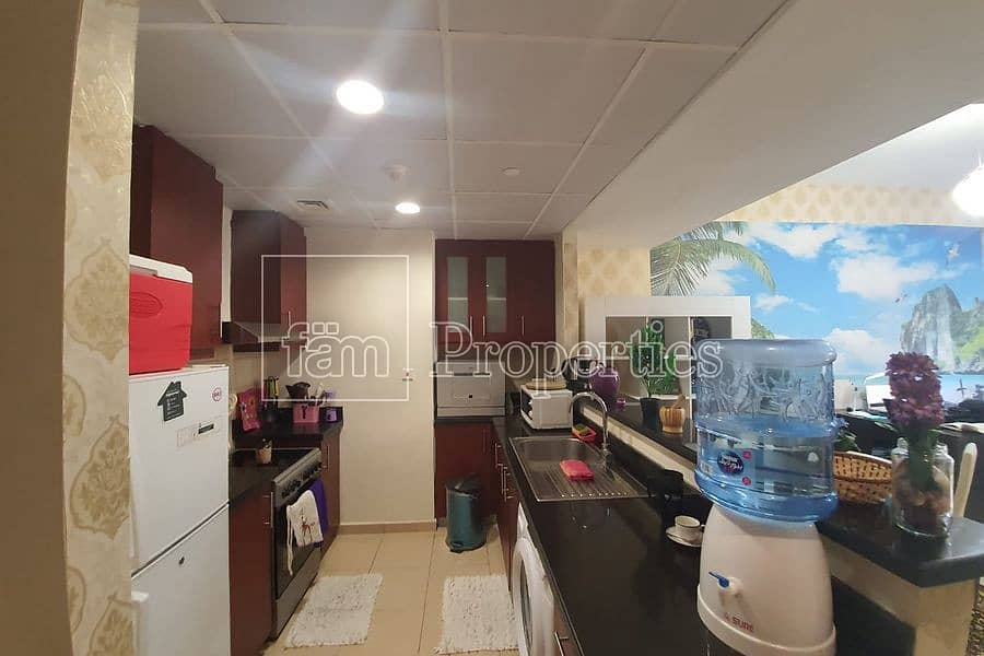 2 Fully furnished studio   Community View  Low floor