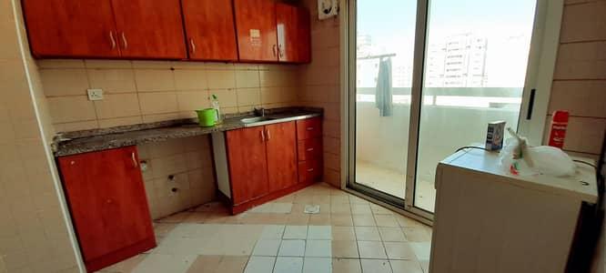 شقة 1 غرفة نوم للايجار في النباعة، الشارقة - شقة في النباعة 1 غرف 16000 درهم - 5017470