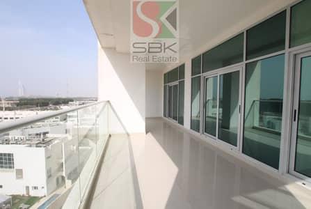 شقة 3 غرف نوم للايجار في الصفوح، دبي - Massive 3BHK | Sea View |  High Floor | Quality Living