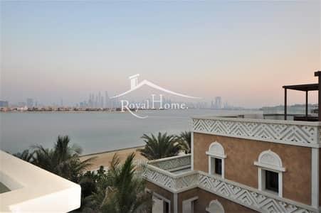 5 Bedroom Villa for Rent in Palm Jumeirah, Dubai - Unique | Massive 5 BR Villa | Private Beach