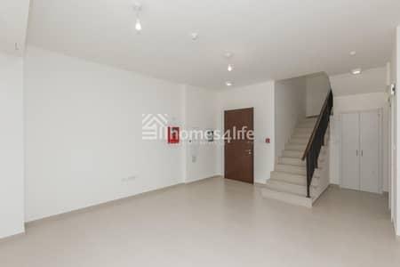 تاون هاوس 3 غرف نوم للبيع في تاون سكوير، دبي - On The Pool | Call for Reservation