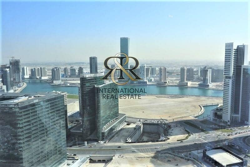 Massive 4 Bedrooms | High Floor with Dubai Canal View