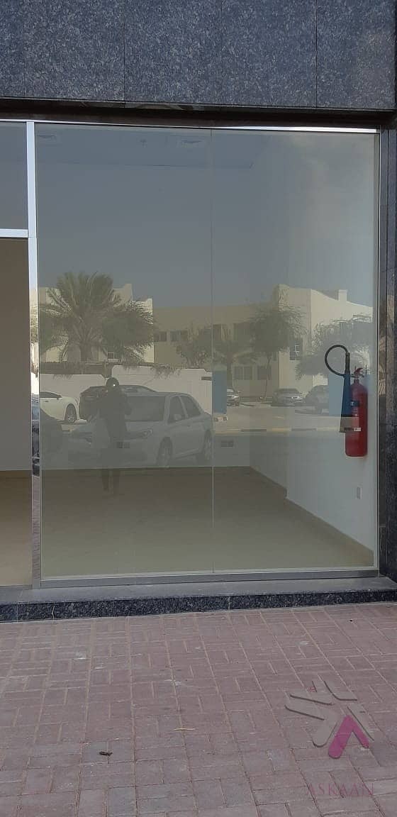 2 Great deal/ Attractive shop with good location