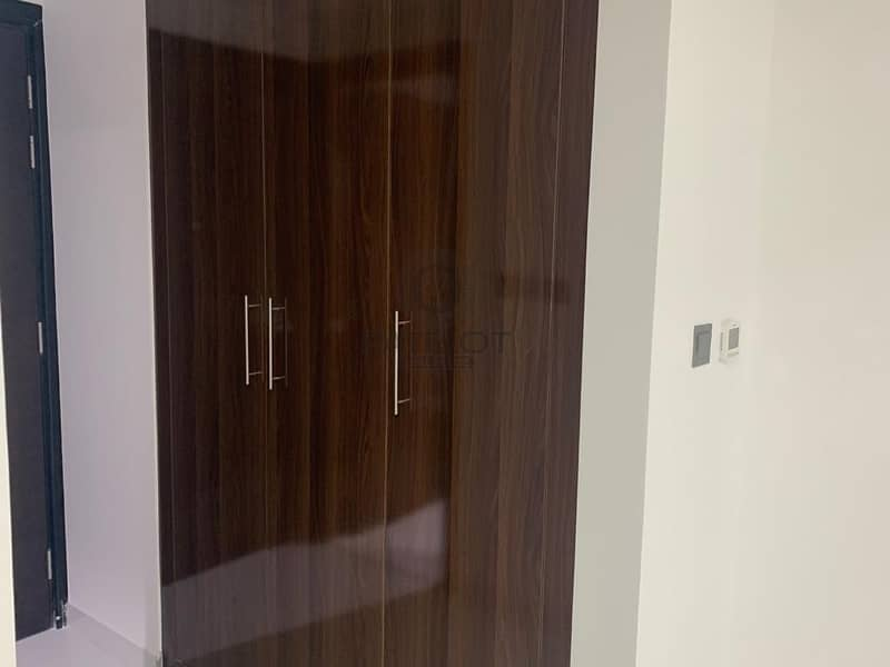 Studio Apartment| distress deal| Silicon gate