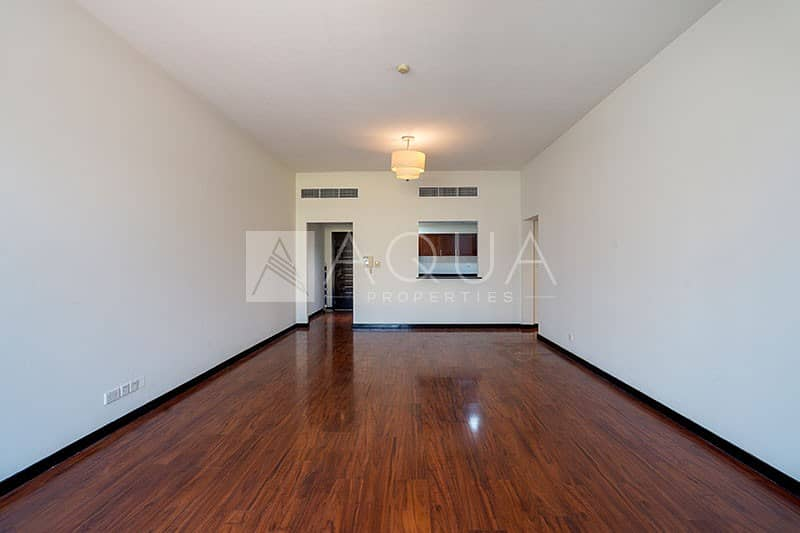 Unique Layout   Low Floor   Chiller Free