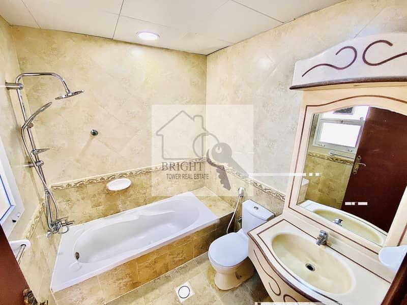 18 Spacious 4 Bedroom  Villa in Al Zakher