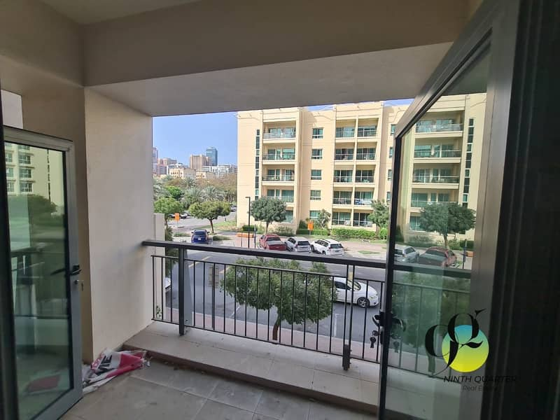 9 Arno Tower 1 bed with balcony.