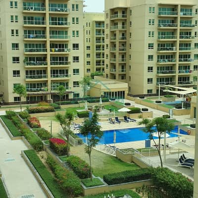1 Bedroom Flat for Rent in The Greens, Dubai - Air condition Free   Large Unit Equipped Kitchen   Courtyard view