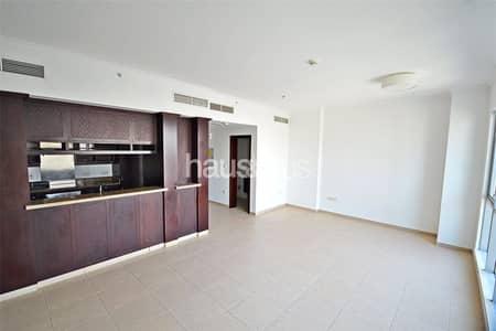 فلیٹ 1 غرفة نوم للايجار في وسط مدينة دبي، دبي - Largest 1 Bed | Walk-In Wardrobe | Freshly Painted