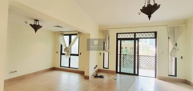 2 Bedroom Flat for Rent in Old Town, Dubai - Luxury 2Bed+ Study | Prime Location | Best layout with Burj View