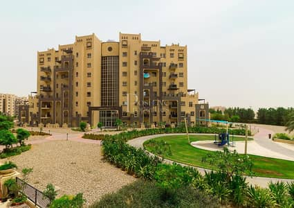 Studio for Rent in Remraam, Dubai - L shape Large | Inner Circle | Ready to move in