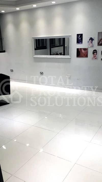 محل تجاري  للايجار في شارع حمدان، أبوظبي - Shop for Rent! Prime Location   Busy Area