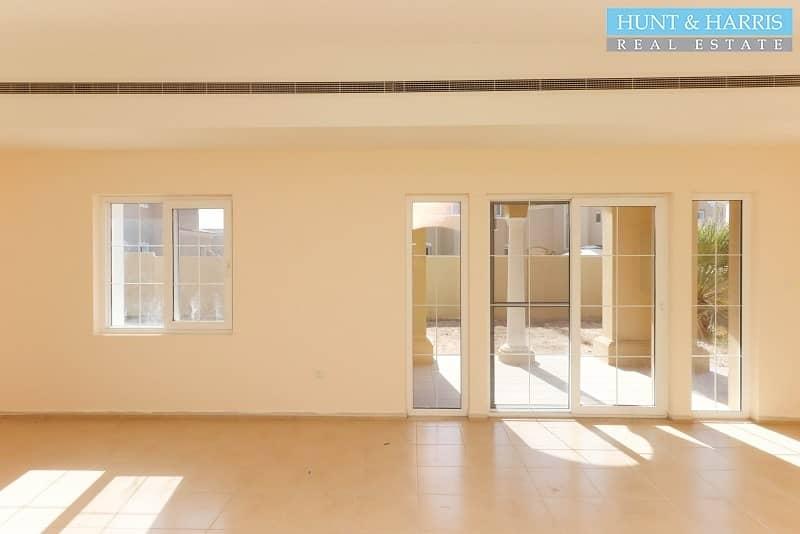 2 000 -  4 Bedroom Villa - Great Deal