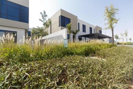فیلا 4 غرف نوم للبيع في الطي، الشارقة - Beutiful  4 bed villa  with free life  service charge