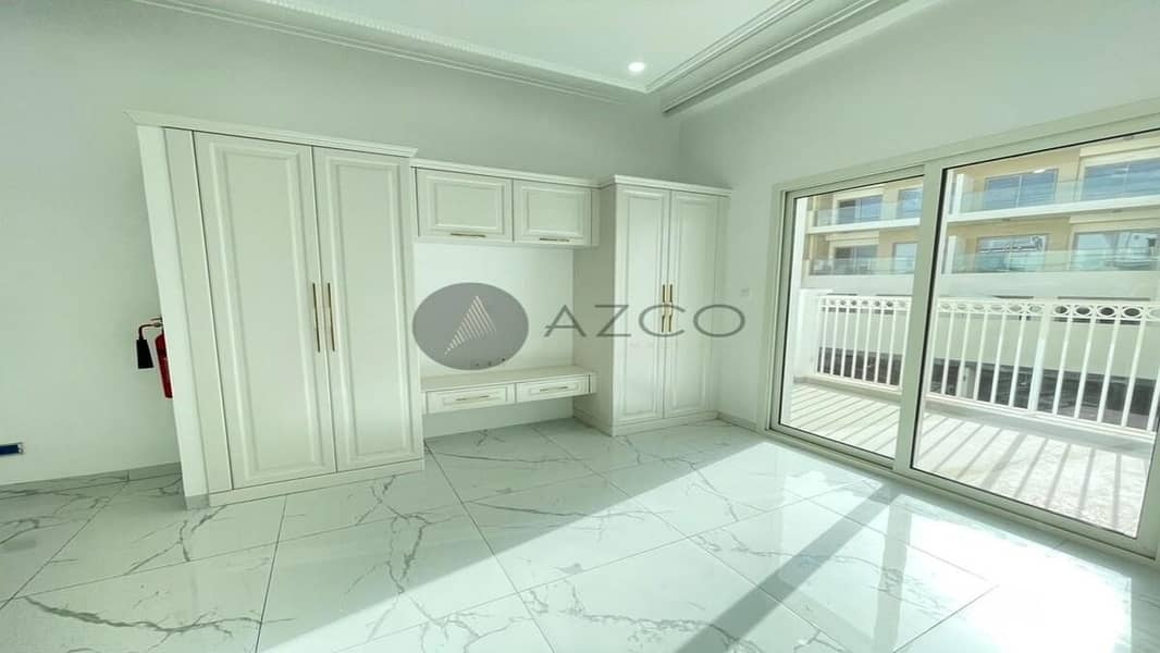 2 Luxury Living | World Class Amenities | Fitted Kitchen