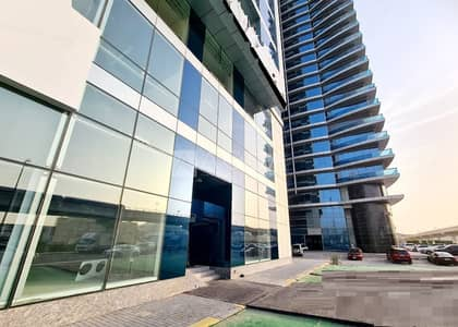 Showroom for Rent in Business Bay, Dubai - Fitted Showroom | Facing  Sheik Zayed Road