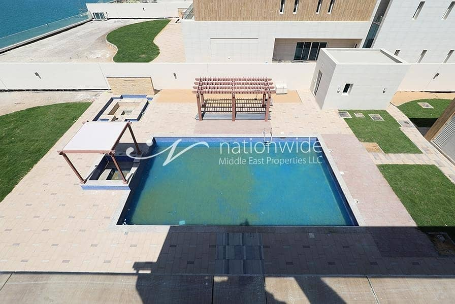 15 A Luxurious Villa with Private Pool and Sea View