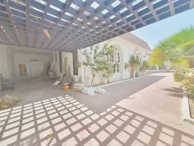 فیلا 4 غرف نوم للايجار في جميرا، دبي - refurbished single story 4bhk villa with big garden  in jumeirah 2  rent is 350k