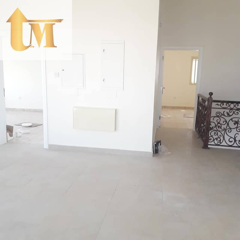 2 4 Bed villa Al Warqa 170k/1 Cheque Only For Family Or Executive Staff