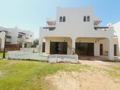 4 Bedroom Villa Compound for Rent in Jumeirah, Dubai - compound 4bhk villa with privet garden shared pool in jumeirah 1 rent is 140k