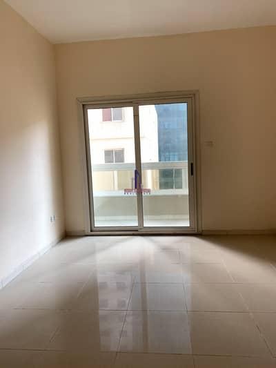 شقة 2 غرفة نوم للايجار في النهدة، الشارقة - 1 month free 2bhk with balcony rent 26k only in 6chqs