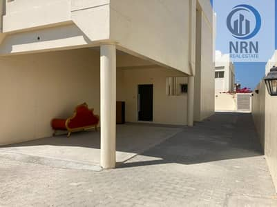 Villa for Rent in Jumeirah, Dubai - Spacious Commercial Villa On Main Road Of Al Wasl