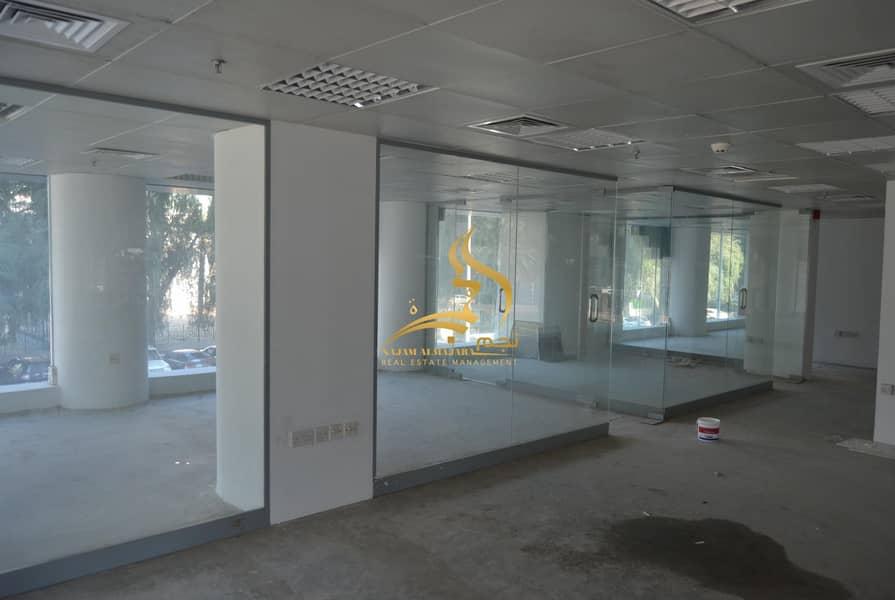 34 Showroom Vacant in Bin Ghanim Tower - Hamdan Street