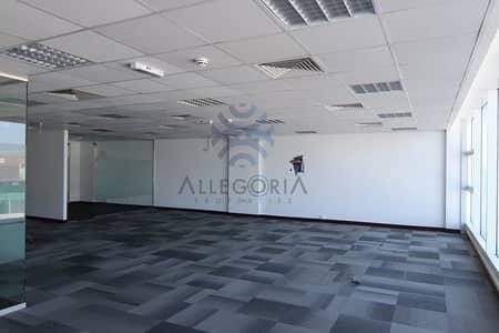 مکتب  للايجار في القوز، دبي - Fitted office: SZR: Low rise building