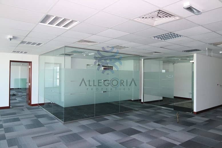 13 Fitted office: SZR: Low rise building