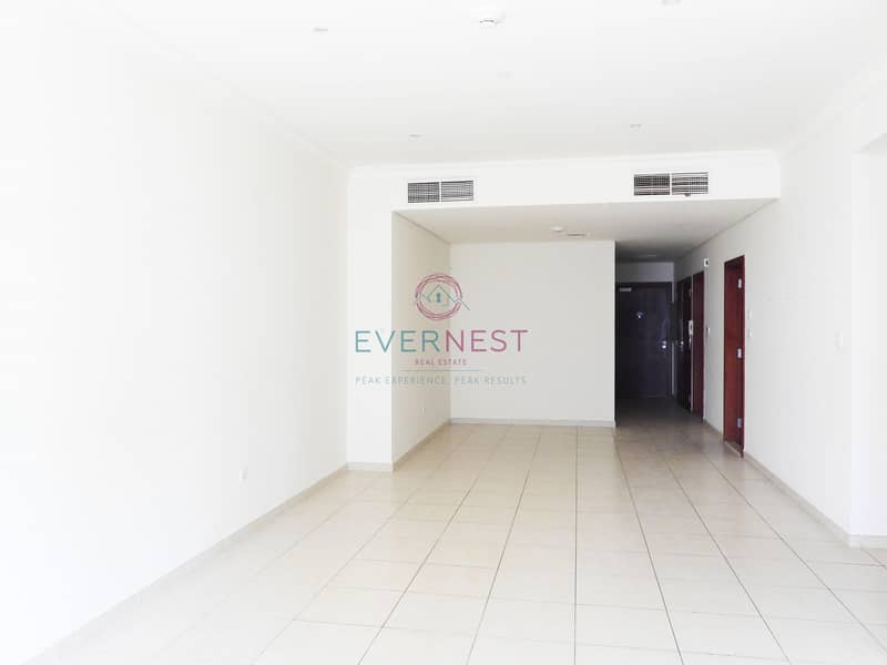 Spacious 3BR with Balcony | Partial Sea View