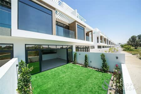 4 Bedroom Townhouse for Rent in Jumeirah Golf Estate, Dubai - Four Bedrooms   Landscaped   Golf Views