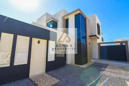 4 Bedroom Villa for Sale in Jumeirah Village Circle (JVC), Dubai - End unit in Maple 1 For sell in Dubai Hills Estate